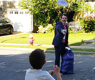 Plaza Principal Featured on WPIX-11 and Newsday for Act of Kindness with 400 Frisbees